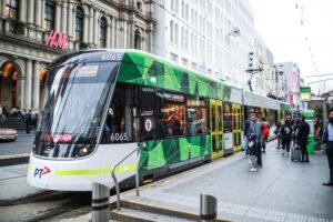 sử dụng giao thông công cộng tiết kiệm chi phí